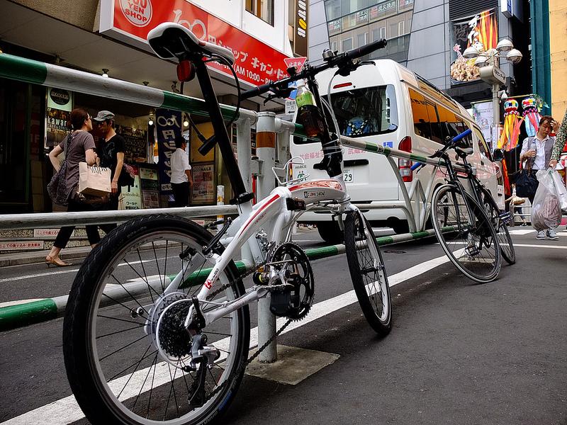 Bike in Tokyo, par James.