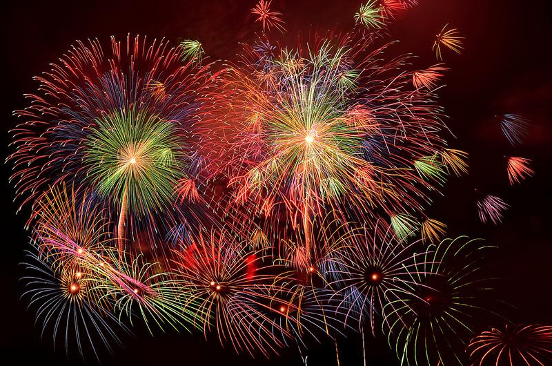 Randonneuse L'inconnue - Page 5 Fireworks-on-Tokyo-Bay-par-Miki-Mix