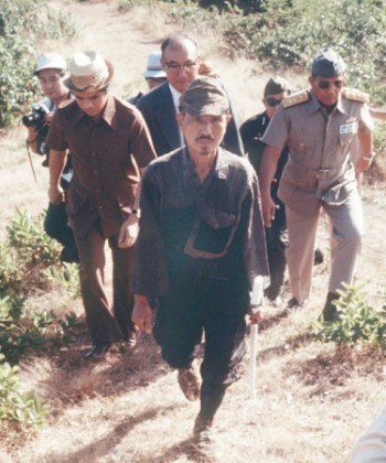 Hiroo Onoda sortant de la jungle