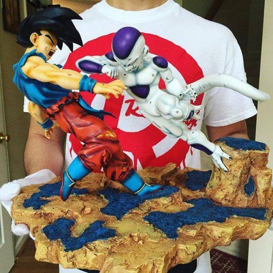 Freezer vs San goku figurine