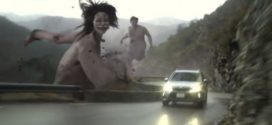 Subaru X attaque des titans [vidéo]
